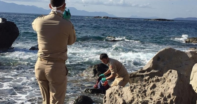 Refugee girl's body washed up on Turkey's western coast